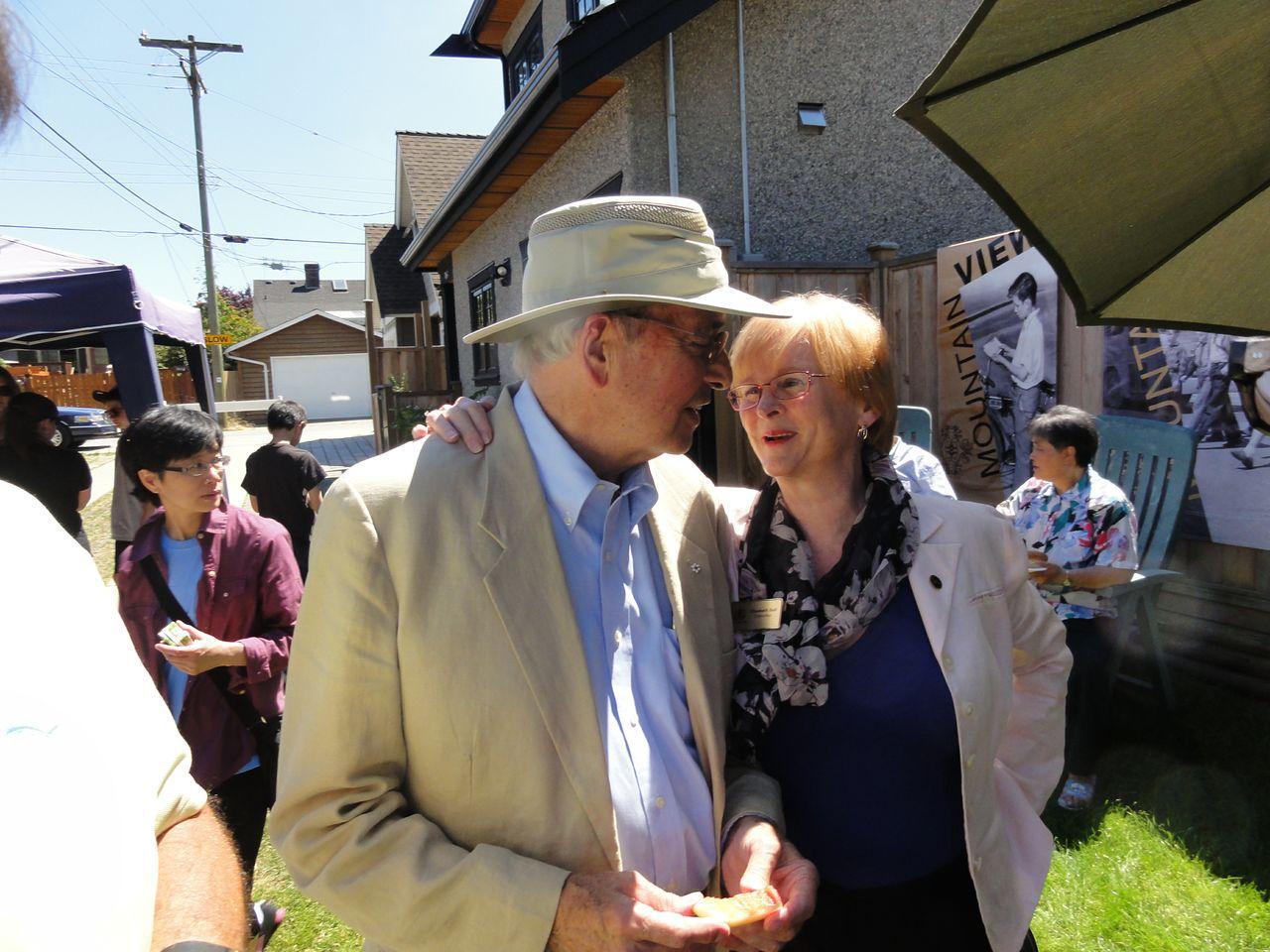 Former Vancouver mayor Philip Owen, standing with City Councillor Elizabeth Ball